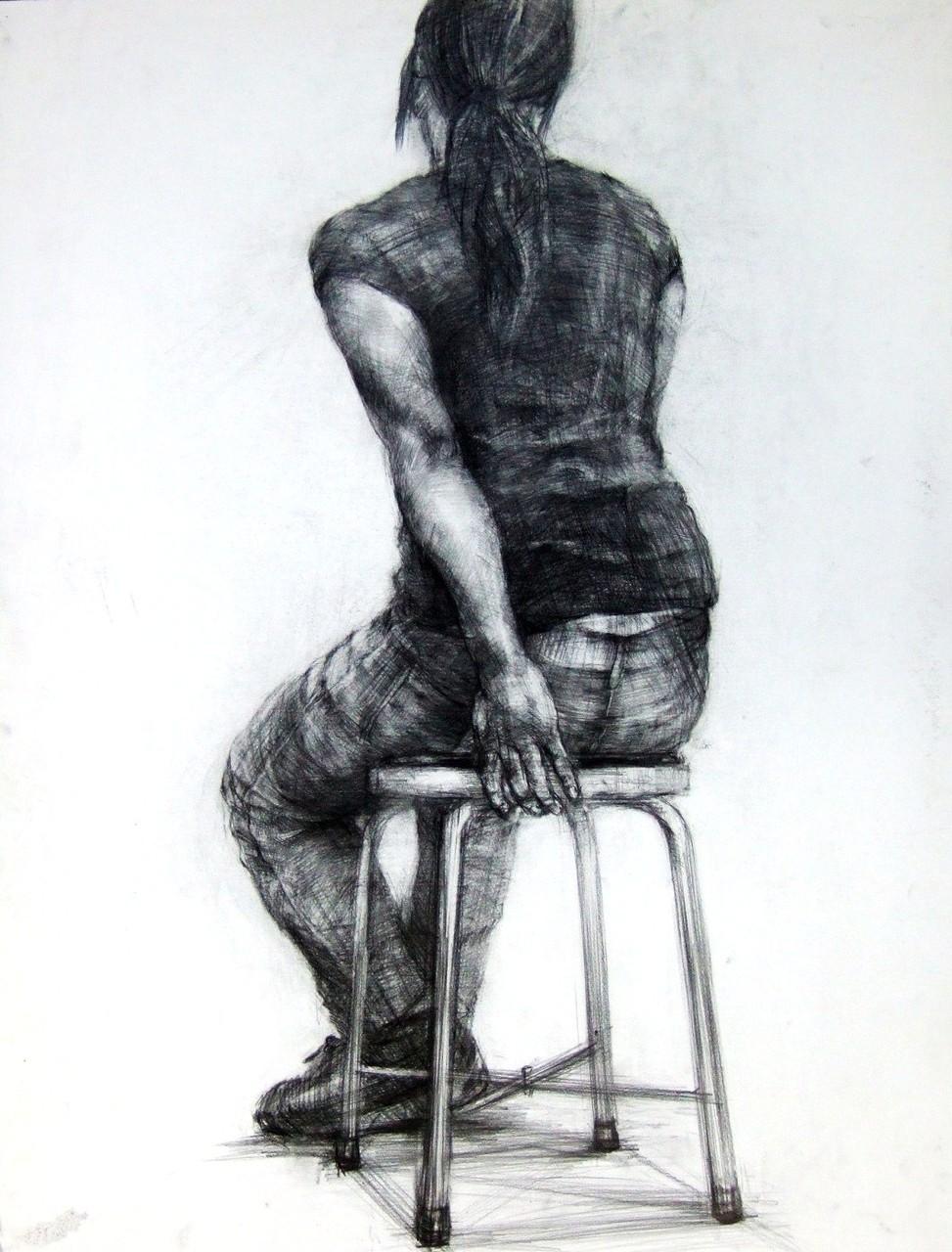 生徒作品23 鉛筆デッサン<人物座像> 木炭紙大 M画用紙 【彫刻系】