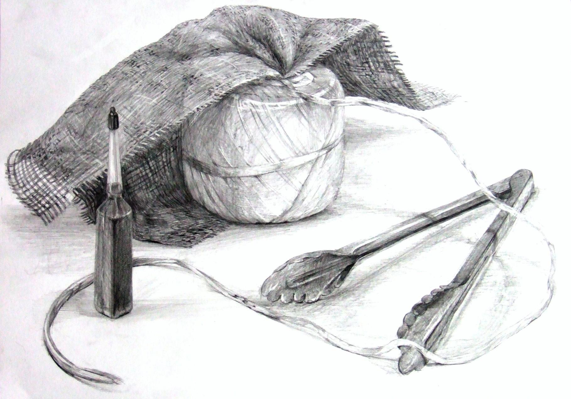 生徒作品57 鉛筆デッサン<卓上静物> 4ツ切り判 B187画用紙 【デザイン系】