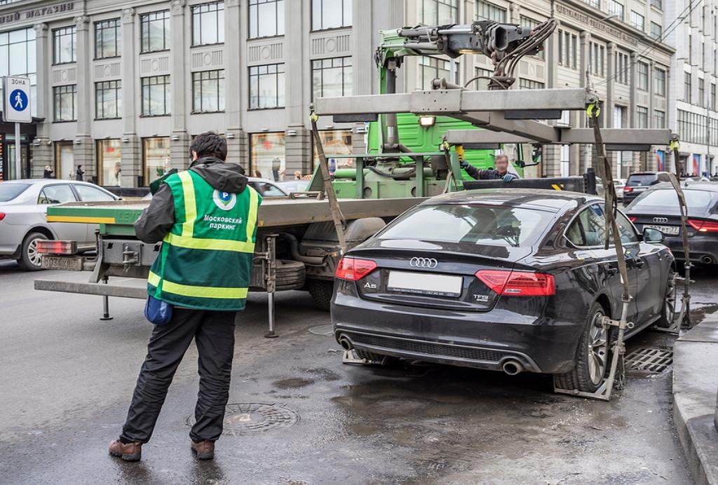 Эвакуация авто в москве если не мешает движению