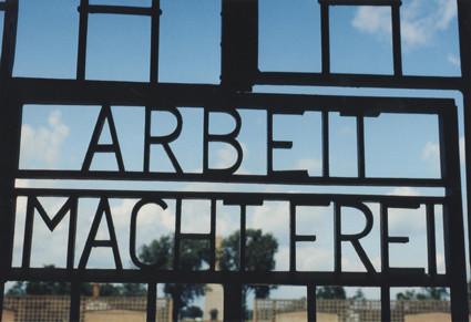 Eingangstür zum KZ Sachsenhausen