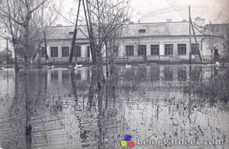 Первая школа на Хотунке. 1980-е.