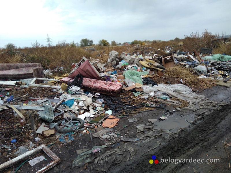 Донская Степь близ станицы Кривянской. Примерно в 700 метрах могила нашего казака В. Г. Пивоварова и других станишников.