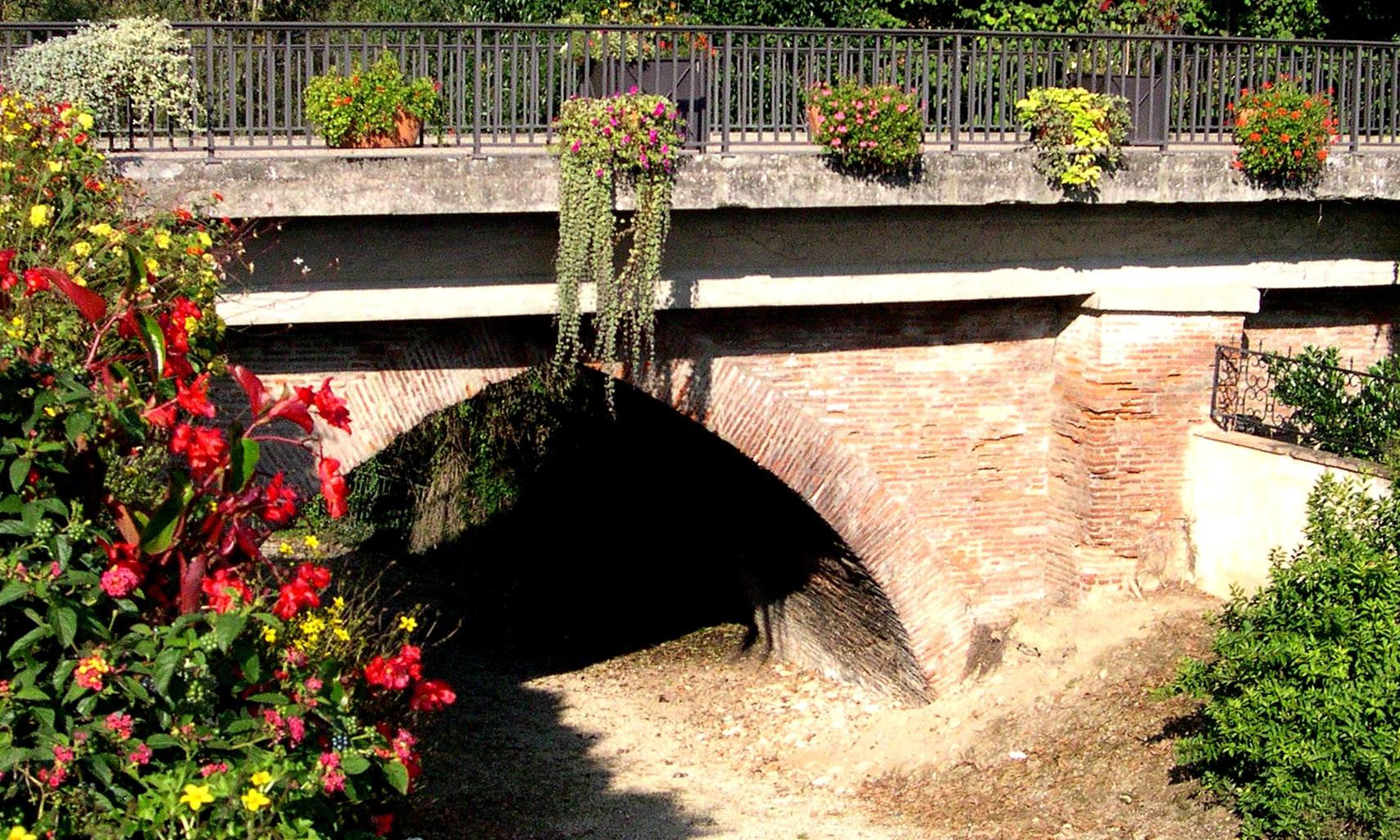 Le pont médiéval de la Rustan