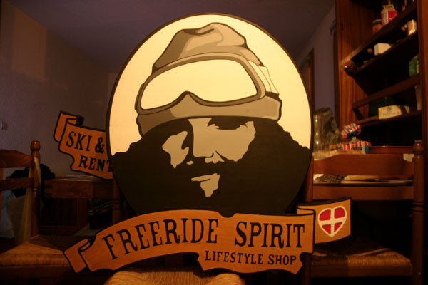 Acrylique sur bois // Enseigne Freeride Spirit // 2005