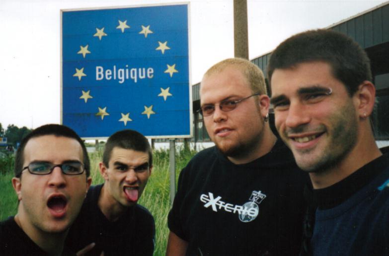 Nicolas Des Ormeaux du groupe EXTERIO en Europe pour la tournée «vous êtes ici»
