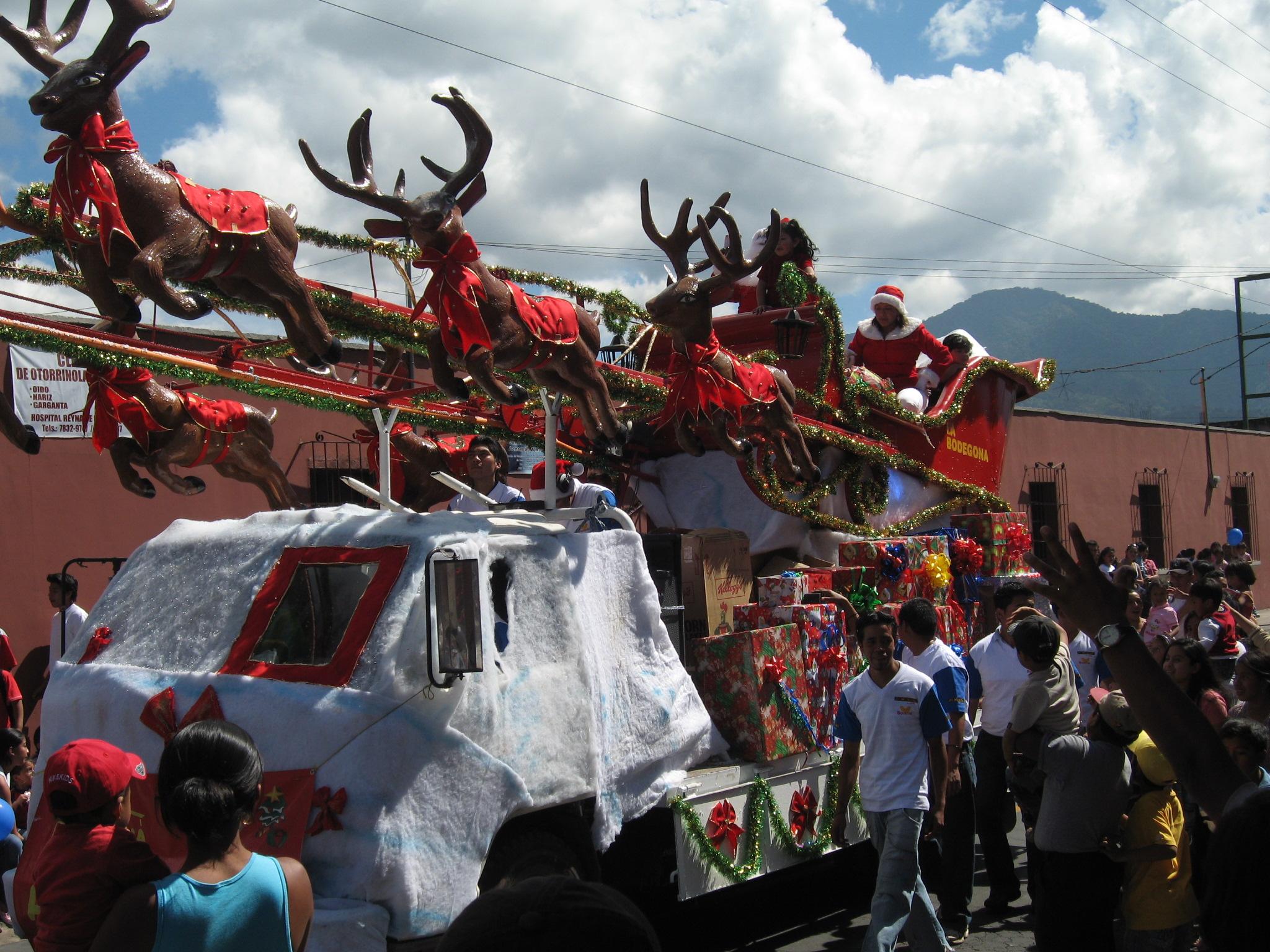 Parade de Noël à Antigua au Guatemala