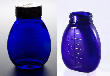 Einfache blaue Taschenspuckflasche aus Großbritannien, 1906