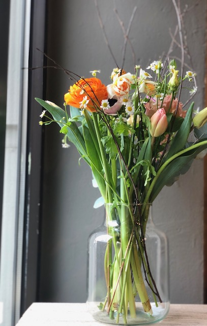 8 Frühlingserwachen - Vasenfüllung inkl. Vase 35 €