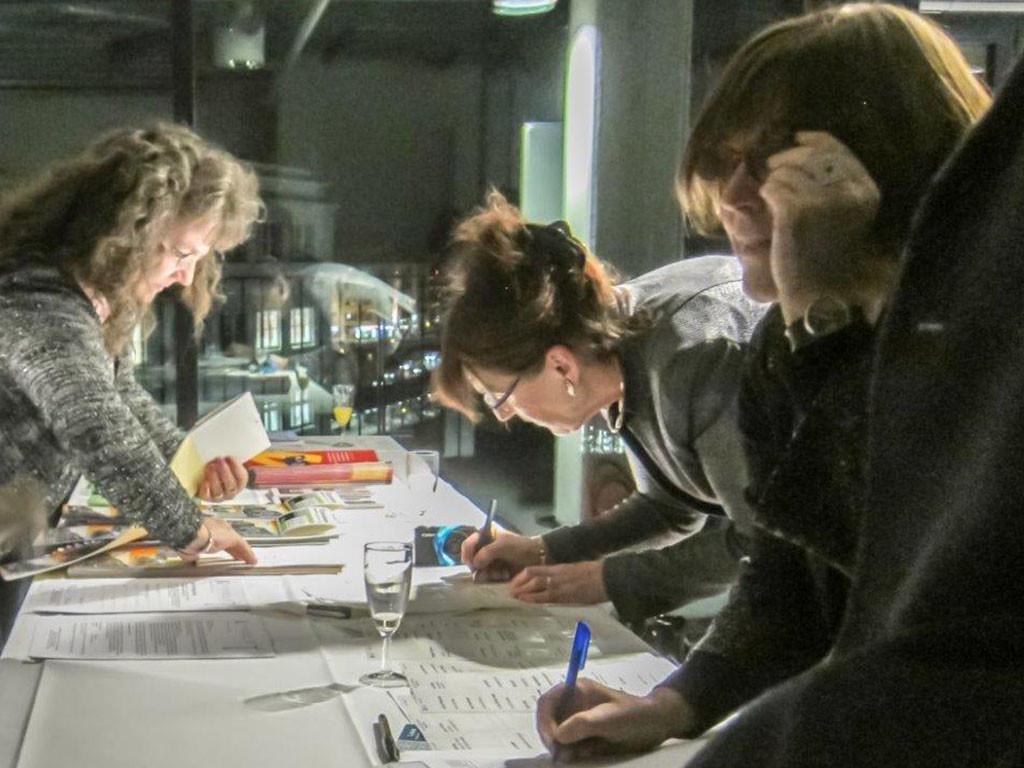 Elke Kleinwächter-Jarnot, Kaiserdamm IG, Frau Jahn, Euro Media Werbung Berlin, Frau Schikora, Druckerei Wolter bei der Anmeldung zum Neujahrsempfang