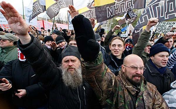 Смешались в кучу - кони, люди ... фашисты, рашисты, казаки, духовенство ...