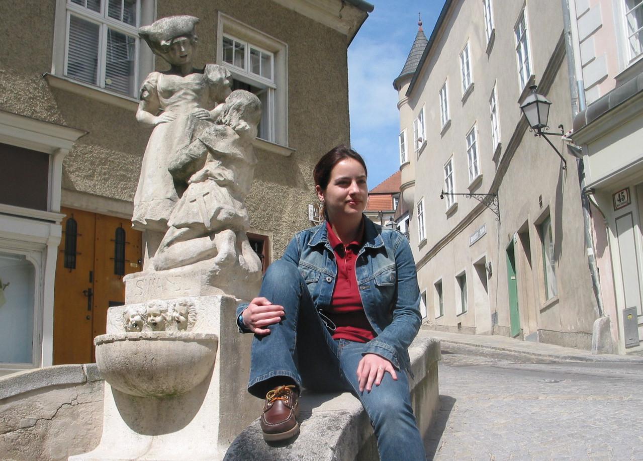 Ein Wahrzeichen in der Altstadt ist der Simandl-Brunnen, er wurde 1923 enthüllt...