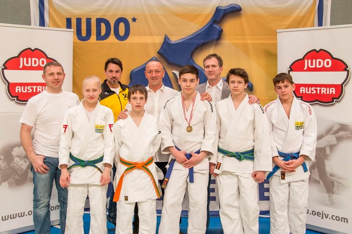 Funktionäre und Kämpfer des Judoklub Krems und des Judo Club Raika Krems. Foto: zVg