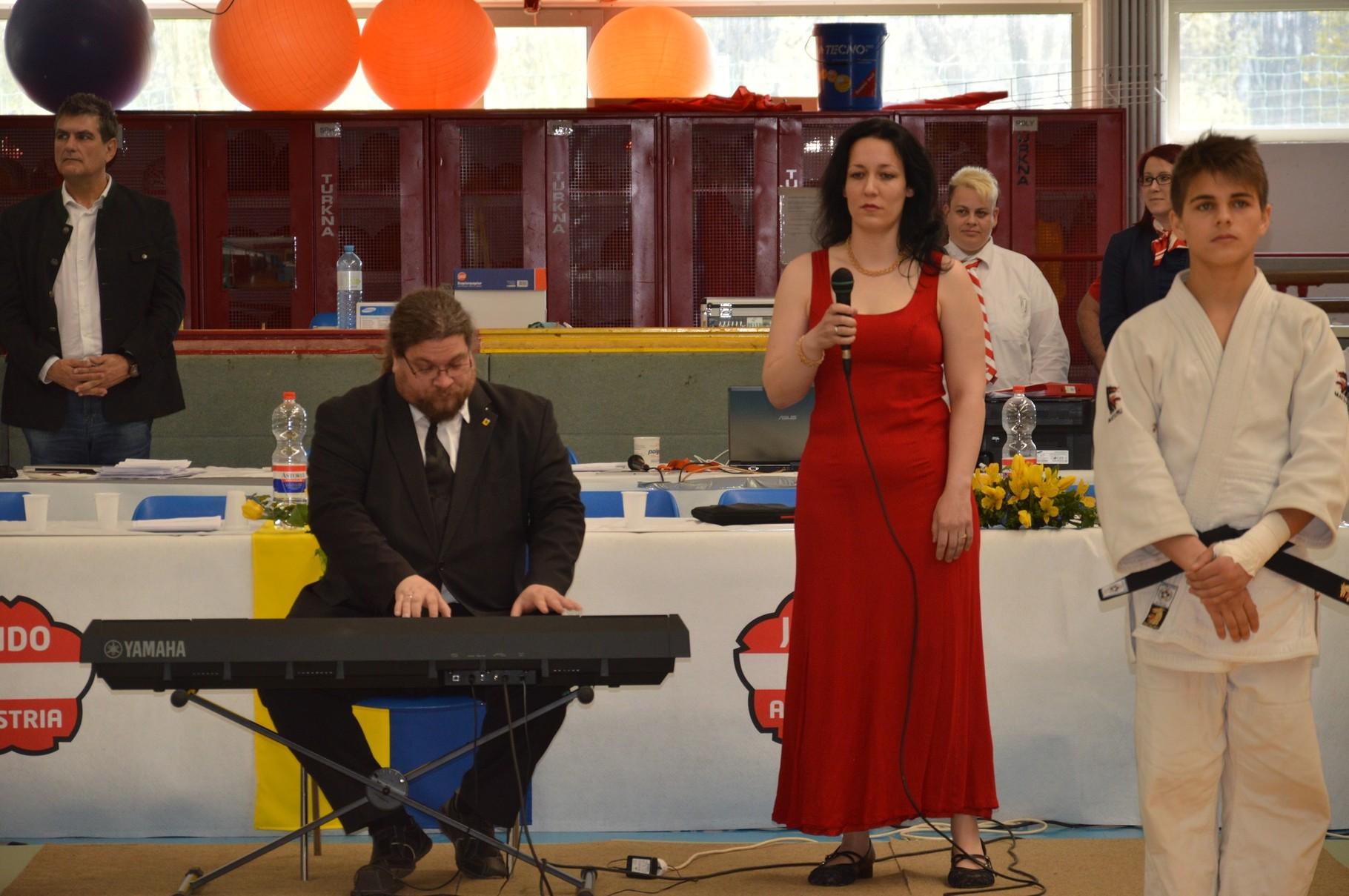 GR Mag. Klaus Bergmaier und Karin Fechner gestalteten die musikalische Umrahmung.
