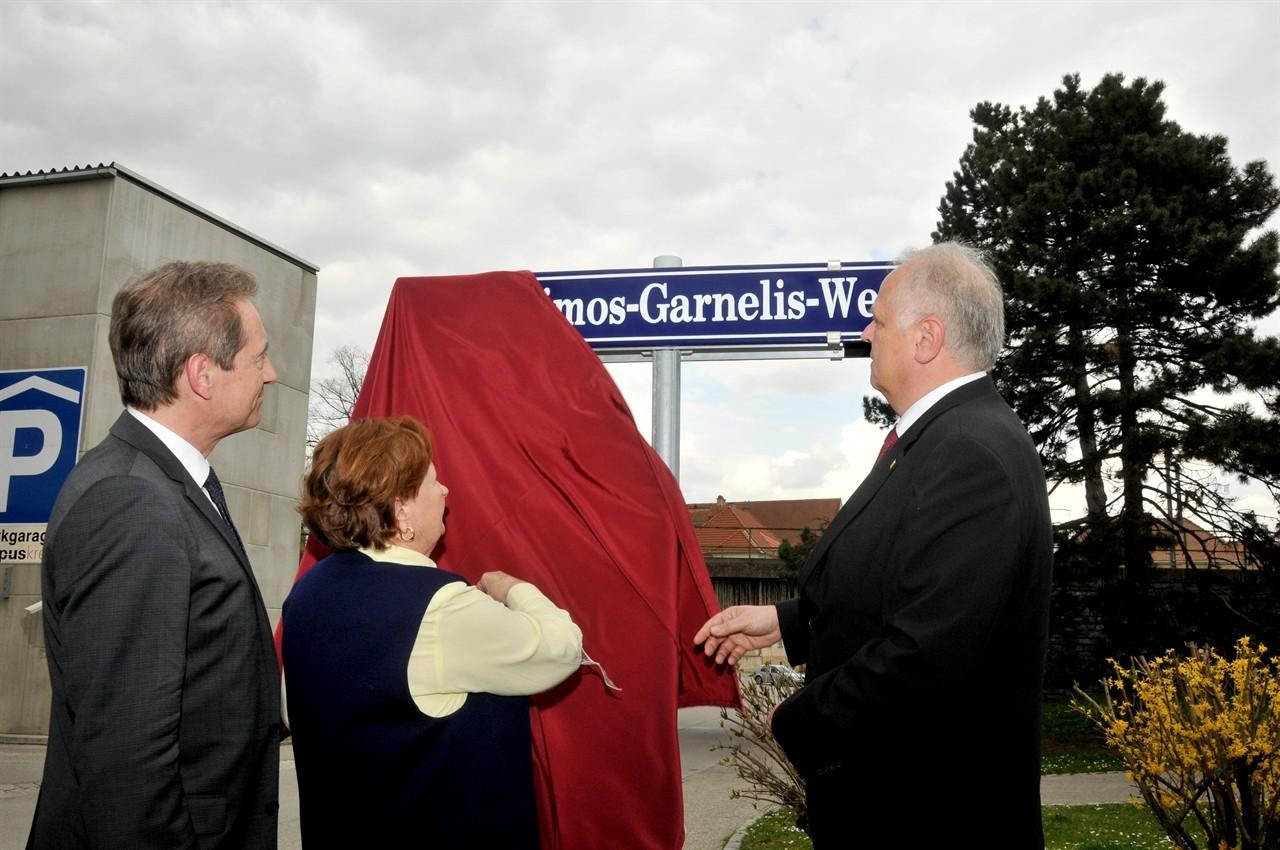 Gerasimos Garnelis, dem Überlebenden des Massakers von Stein, wurde eine Straßegewidmet. Fotos: Stadt Krems.