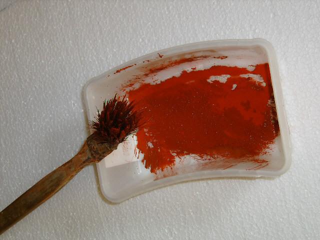 für eine bessere Felsoptik, sollte ein anderer Farbton dünn mit Wasser angerührt werden