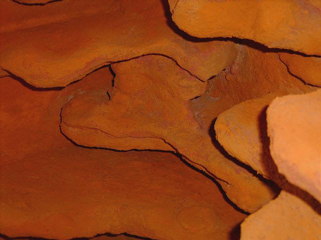 ... und sah aus wie nur drauf geckleckst, was nicht einer natürlichen Felsoptik entsprach