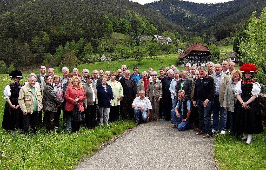 Unser Sonderverein vor der schönen Kulisse des Schwarzwaldes