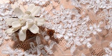 Sakae Japan: edle Spitzen für Hochzeitskleider