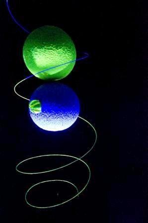 Si racconta che su un pianeta dell'universo la vita si svolgesse quasi completamente con luce artificiale. Ma nacque una stella, che decise di andare proprio su quel pianeta! Perché?