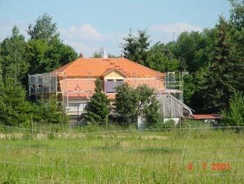 Dacheindeckungen aus Ziegel und Betonsteinen  SL - Holzbau Gbr Ochsenfurt