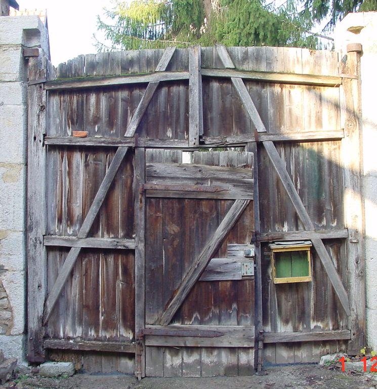 Holztor vorher