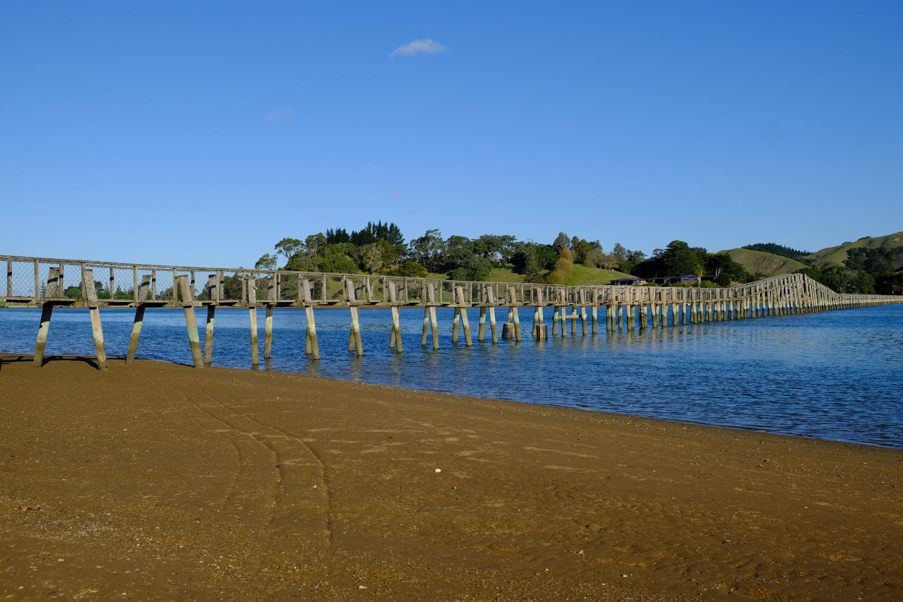 Whananaki - die längste Fußgängerbrücke der südlichen Hemisphere