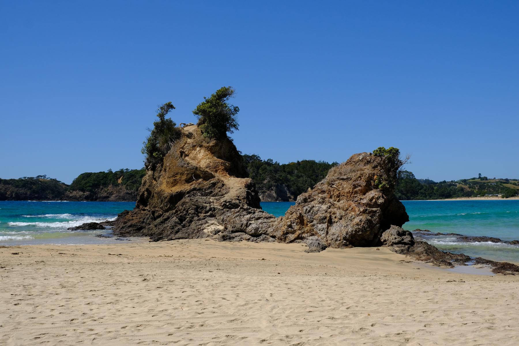 Manapouri Beach