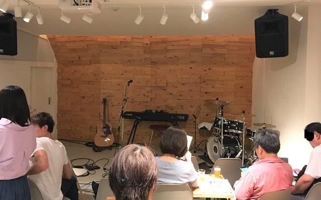 南阿佐ヶ谷のライブスペース「オンザルーフプラス」の会場