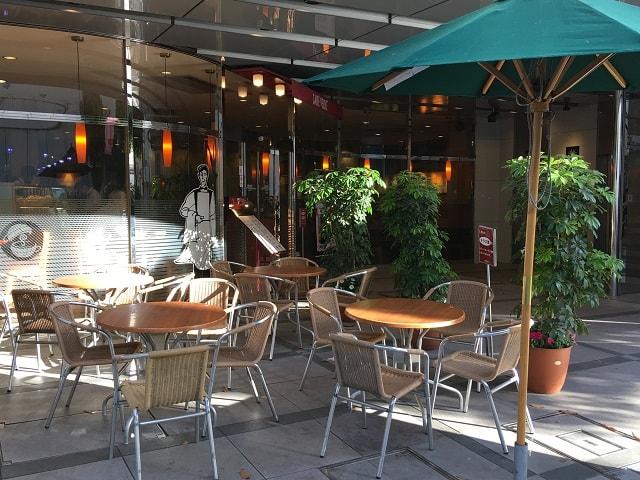 JR千葉駅の東口から徒歩5分のカフェ・ベローチェ 千葉店
