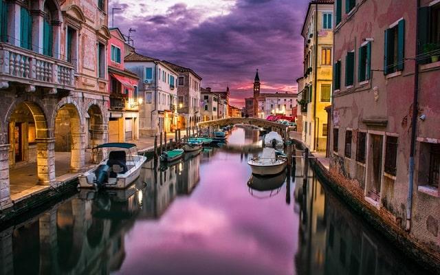 ヴェネツィアの街の風景