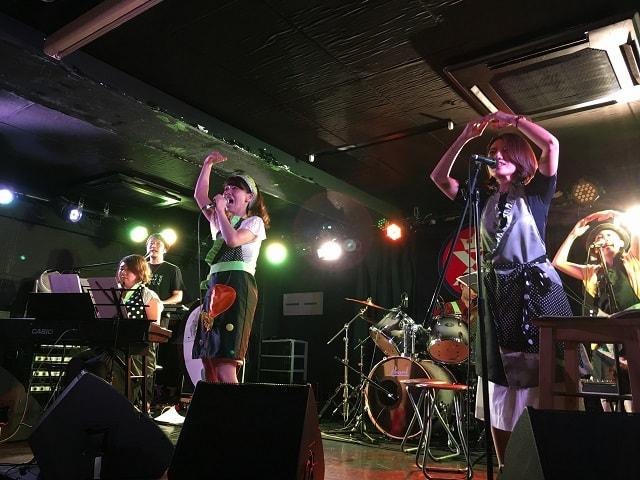 池袋キングスクロス・トーキョーにて開催された音ごはんワンマンライブの様子