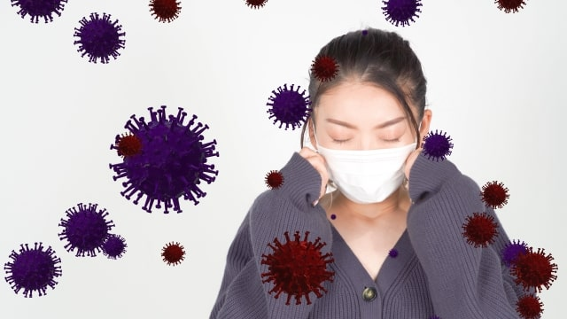 ウイルスで困っている女性