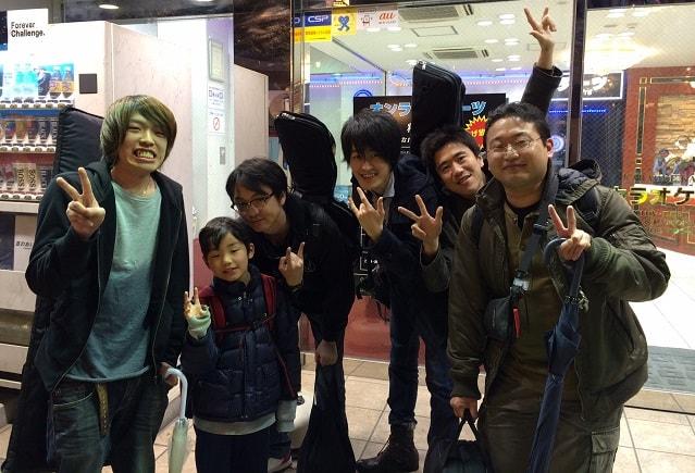 津田沼駅前で音楽セッションの帰りに撮った集合写真