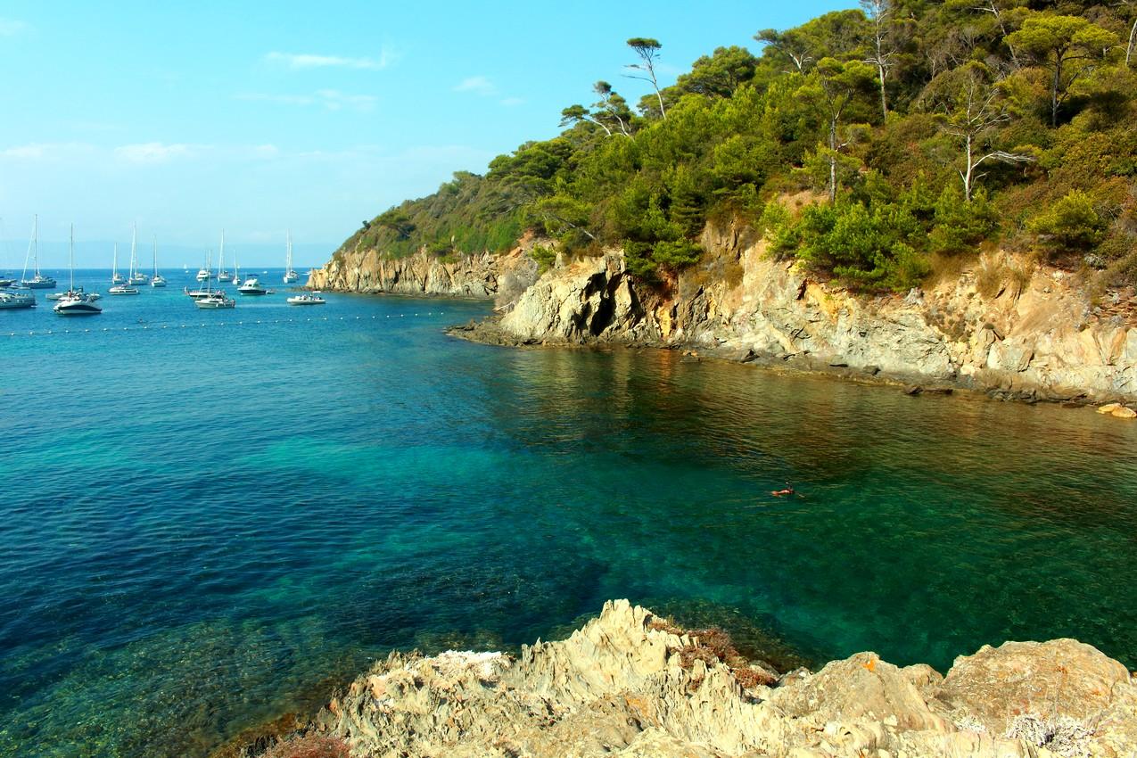 """Calanque a cot"""" de la plage du sud, PORT CROS, Hyeres (FRANCE) missaventure blog"""