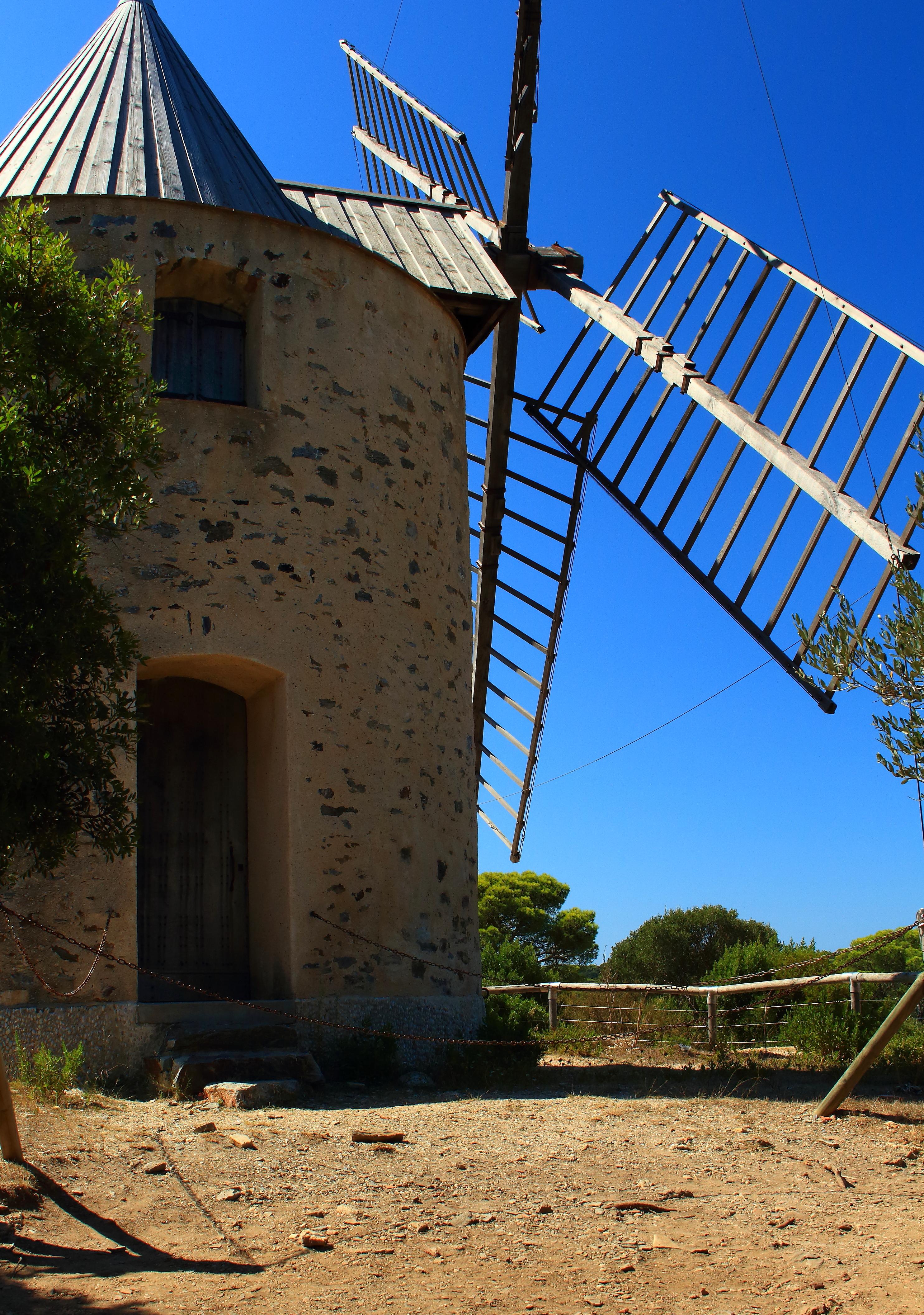 Le moulin du Bonheur, Porquerolles. HYERES. missaventure blog