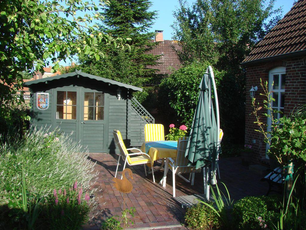Terrasse, Terrassentür zur Küche, Saunahütte
