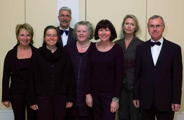 Vorstand 2005 (von links nach rechts): Hiltrud Kälin, Ursi Eberhard, Hanspeter Pfister,  Ingrid Fässler, Susann Bosshard,Elisabeth Lindauer und Toni Schönbächler (es fehlt Agnes Ryser)