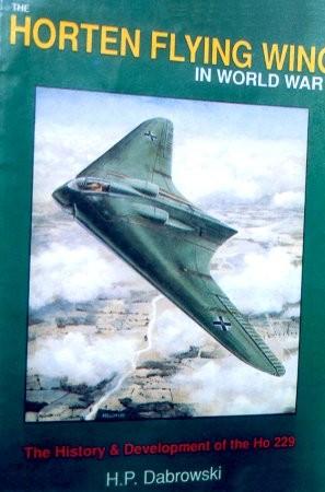 Libro americano sull'ala volante tedesca-italiana