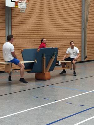 Schüler von DoPhysio beim Sport