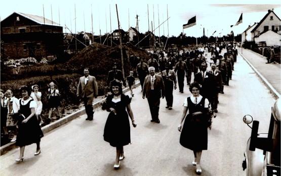 Umzug anlässlich des Gründungsfestes und der Standweihe 1958