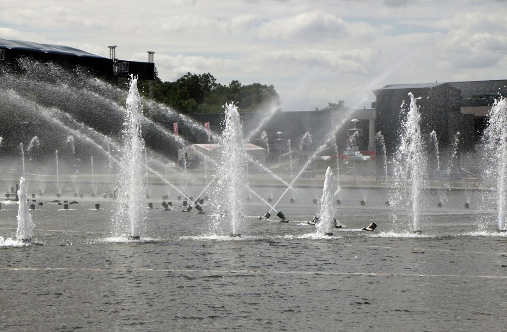 ...Wasserspiele (Wasserorgel) in Aktion