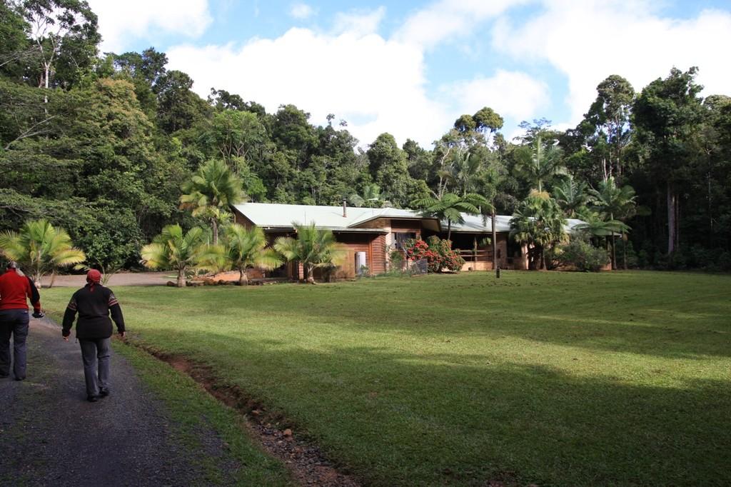 Das Haus der Besitzer/Verwalter dieser Baumhäuser, angenehme und hilfsbereite Leute!