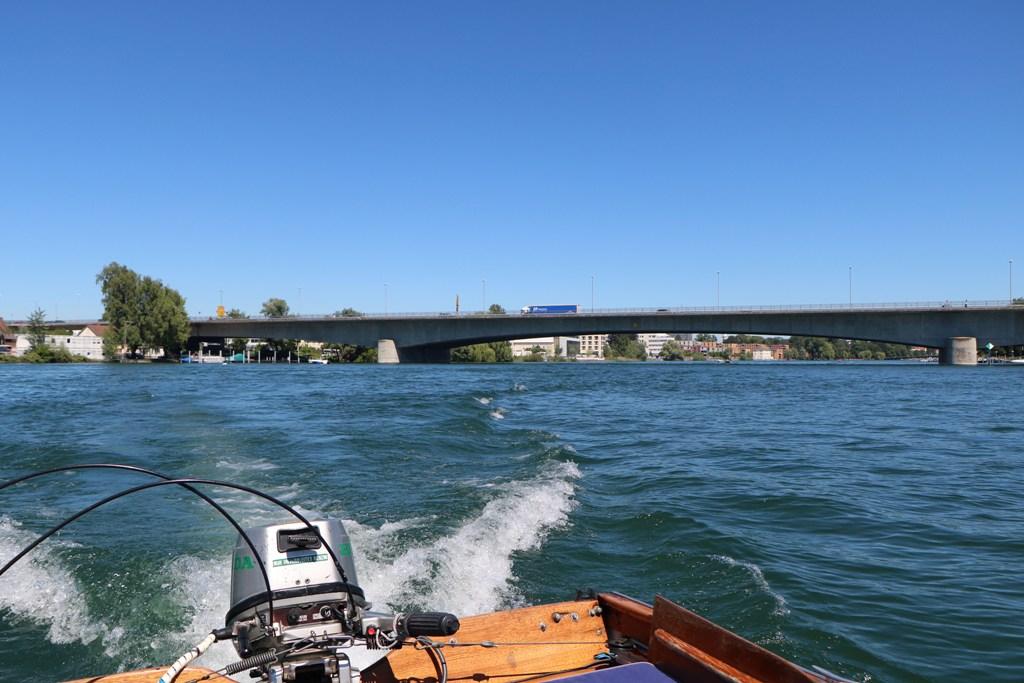 ...der Blick zurück mit der Schänzlebrücke (B33) im Hintergrund
