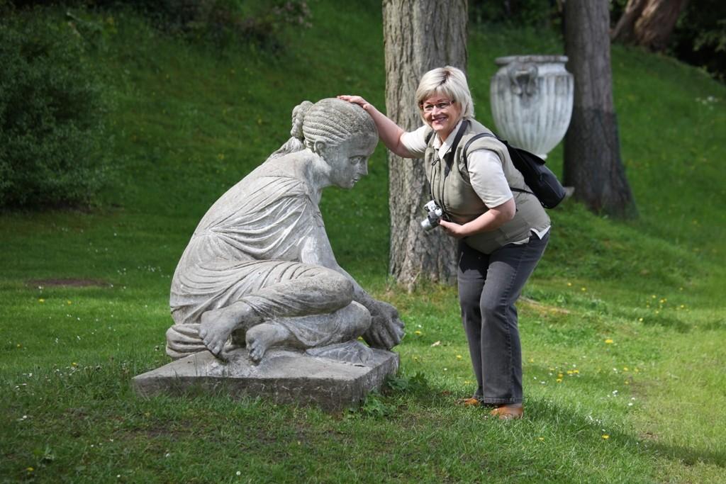 Hannelore und die Muschelnymphe am Wörlitzseeufer