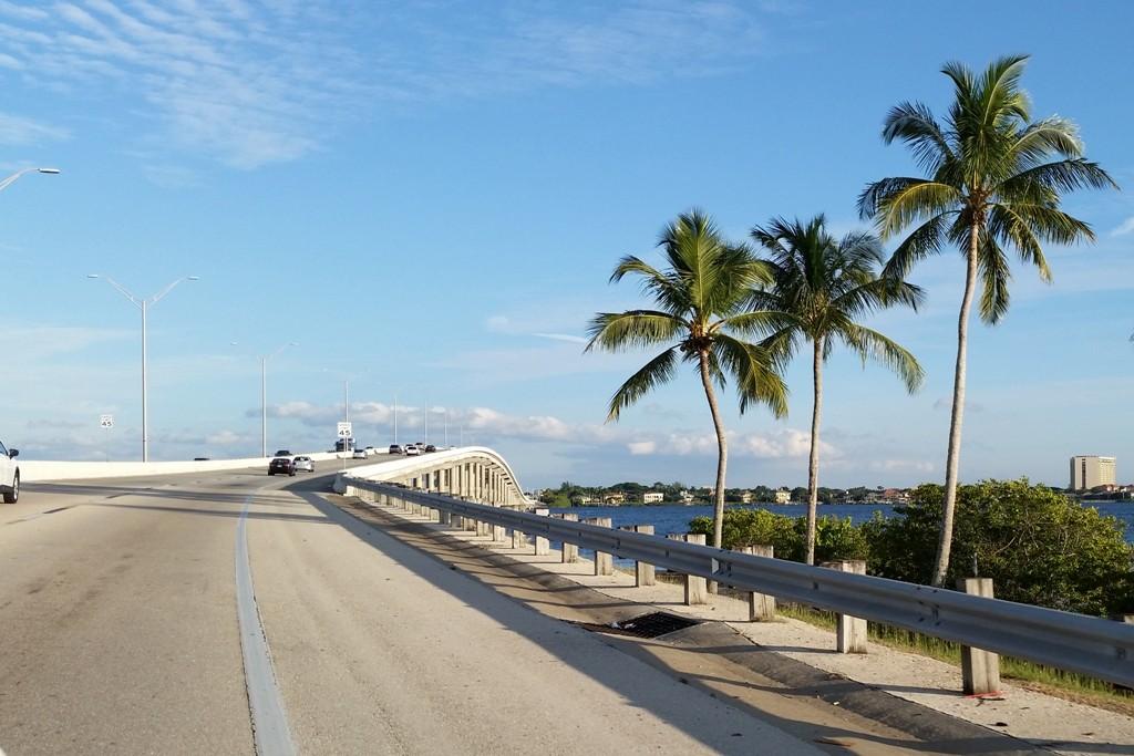 Wir fahren über die Cape Coral Bridge nach Sanibel- und Captiva Island