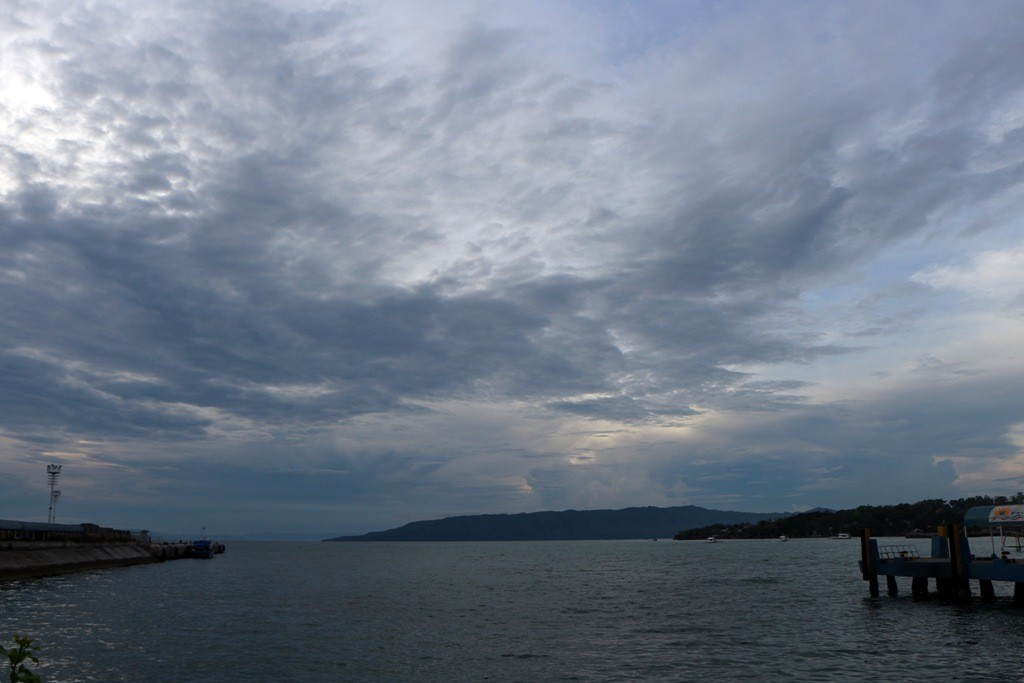 Blick vom Hafen Tagbilaran auf dir Bohol See