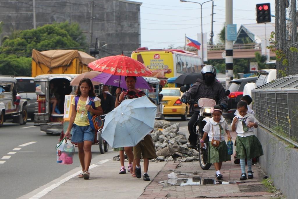 Ein Foto wie aus einem Actiontriller, so etwa ist es aber in der Millionen Boomtown überall, gefährlich!