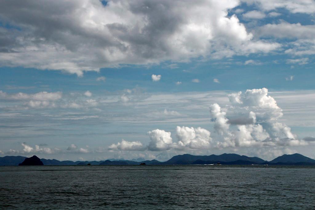 Das Wetter, die Wolkenformationen änderten sich ständig, so markant wie auf dem Foto war es aber höchst selten!