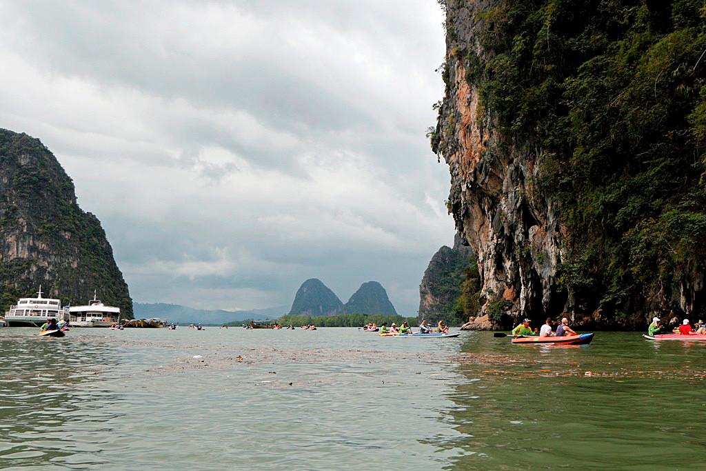 Da man gefahren wird kann man sich von der Faszination des Phang Nga NP einnehmen lassen, es wirkt!