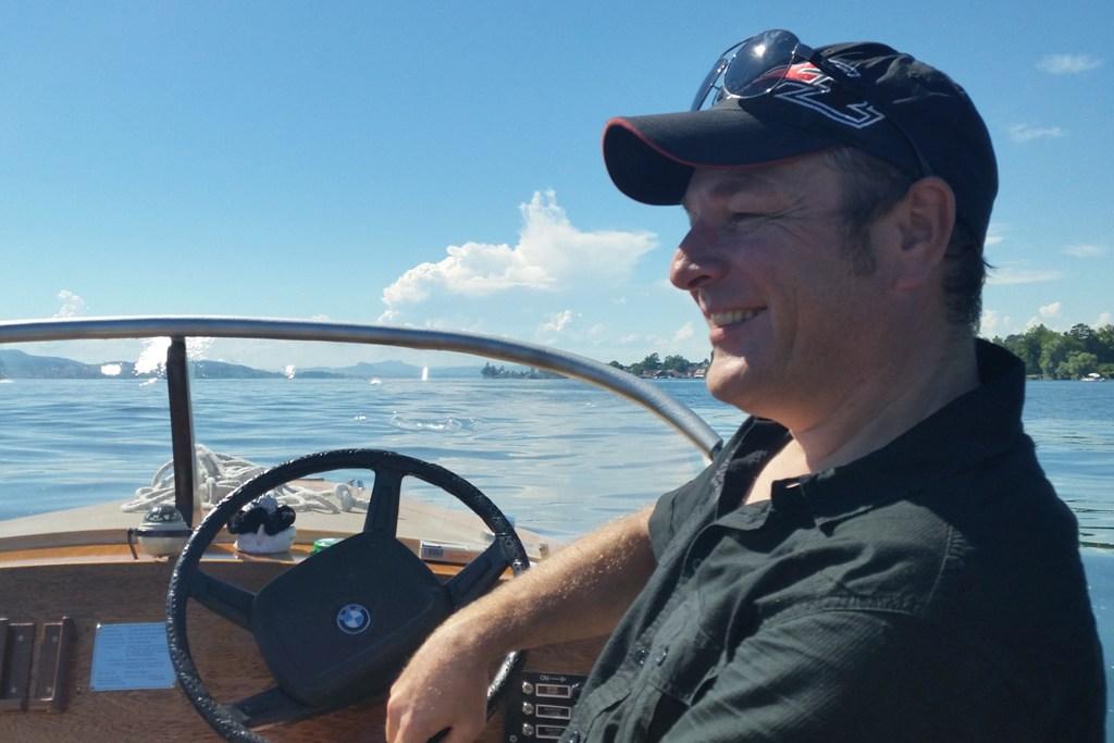 ...enspannt und gelassen schippert uns Martin den Rhein hinunter Richtung Untersee